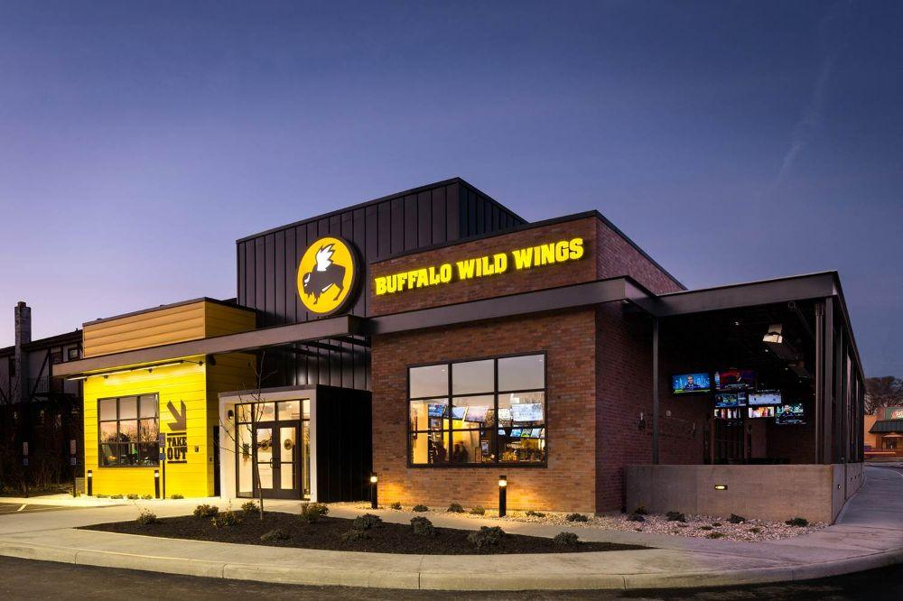 Buffalo Wild Wings customer service contact numbers